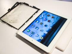 iPad 2觸控面板破裂左上角變形